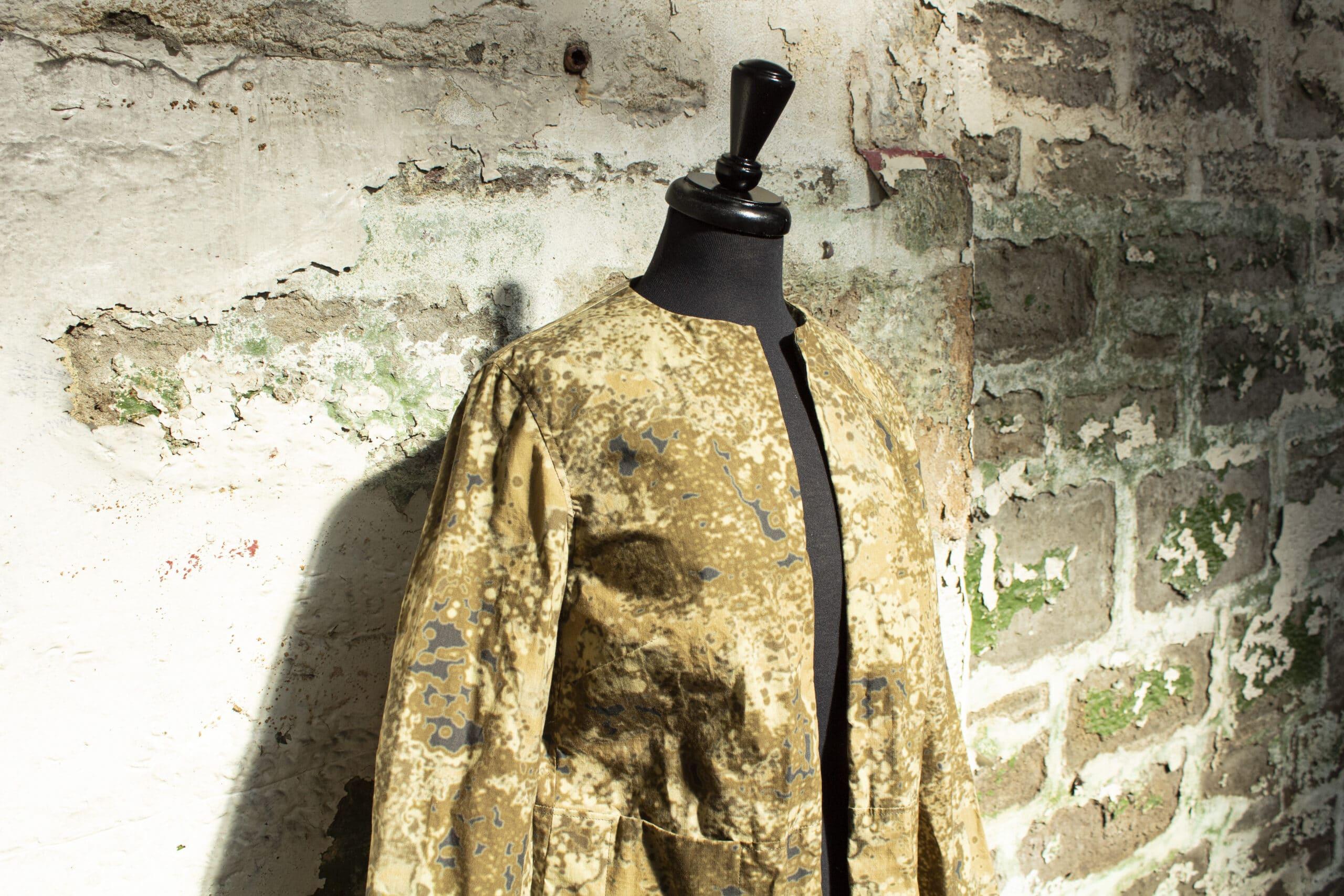 R140 Hybrid/Aero Tempest Print Tan waxed jacket