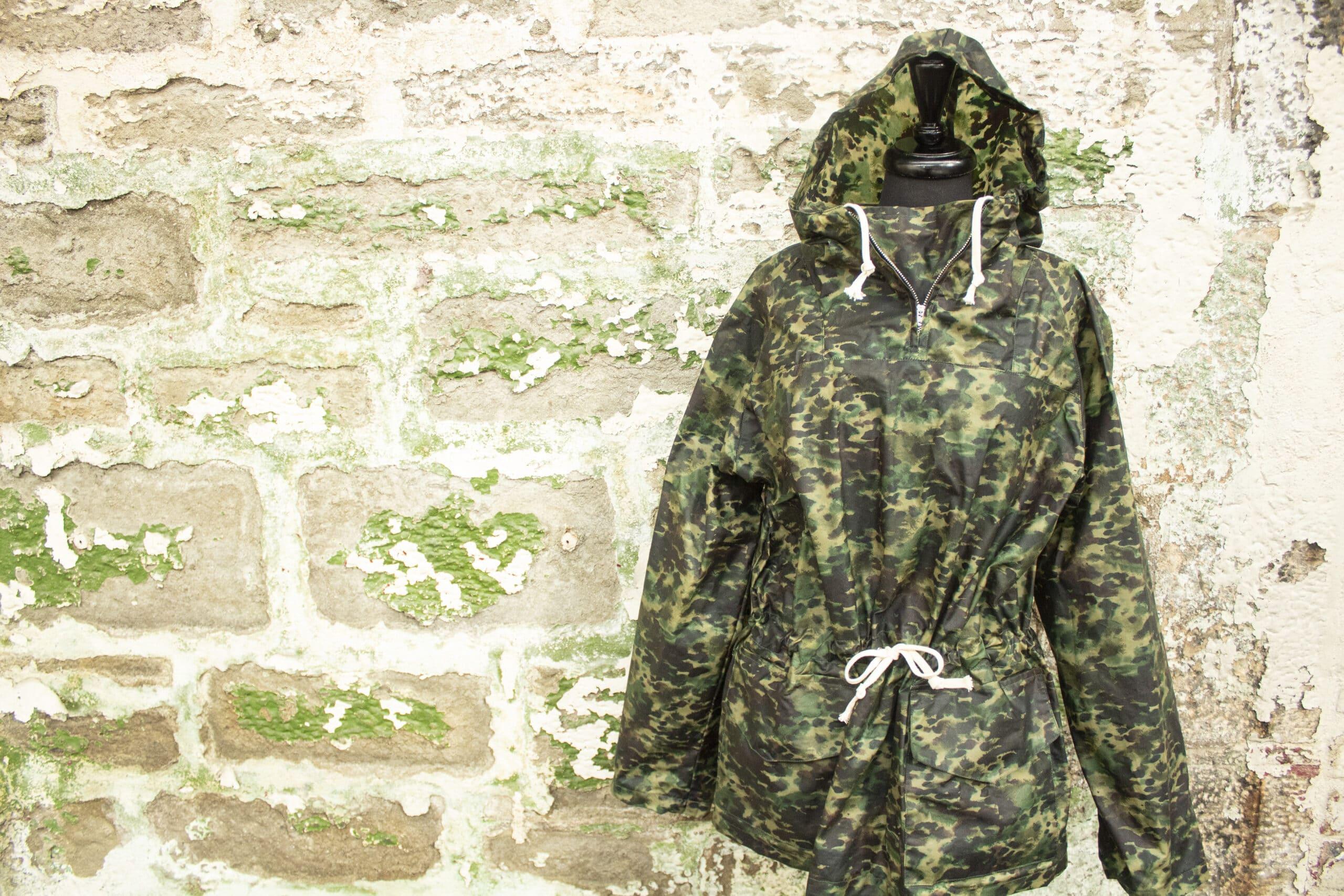 P200 Alchemy Paint Splash Green waxed coat